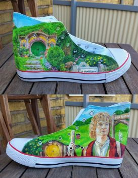 Bag End and Bilbo - Canvas shoe by Adnaurian