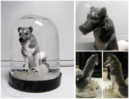 Dog in the snow dome by SaQe