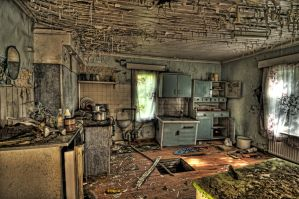 Abandoned House HDR Workshop by daniellepowell82
