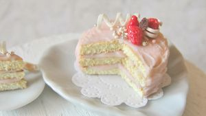 Pink strawberry cake by AGTCT