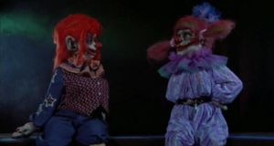 How Female Killer Klowns lure Male Victims... by SCP-096-2