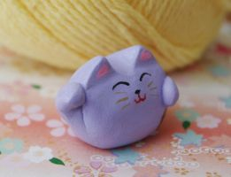 purple manekineko by exoplastic