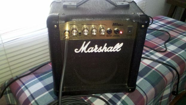Marshall MG10cd by LordHighWarlock
