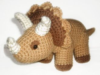 Triceratops2 Plushie by W0IfDreamer