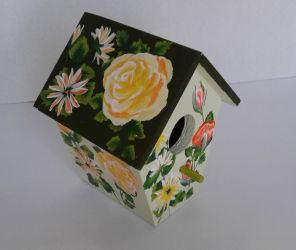 Custom Made Rose and Daisy Birdhouse by sweetpie2