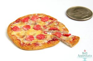 1:12 Pepperoni Pizza with Slices by PepperTreeArt