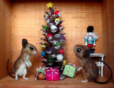 Felted Mouse Christmas by HStiLeS