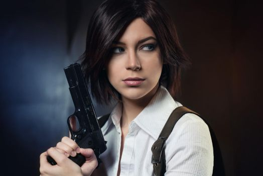 Juli Kidman - The Evil Within cosplay by LuckyStrikeCosplay