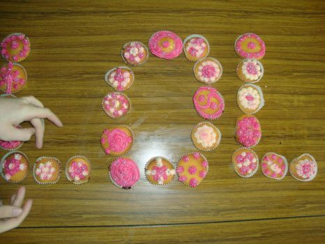 Lol Cupcakes by Red--Roses