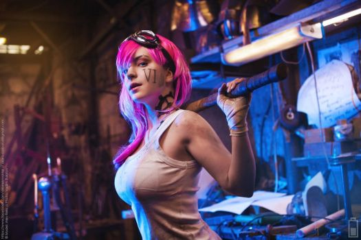 Vi: The Workshop of Piltover by AlexReiss