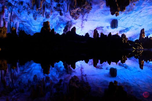 Red flute cave. Guilin. by TrigoMoran