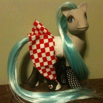 Monster High: Ghoulia Yelps in her outfit! by ReylPonies