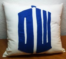 Doctor Who Pillow! by violamoss