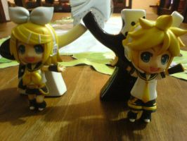 I present you to KAGAMINE LEN by chechechunin