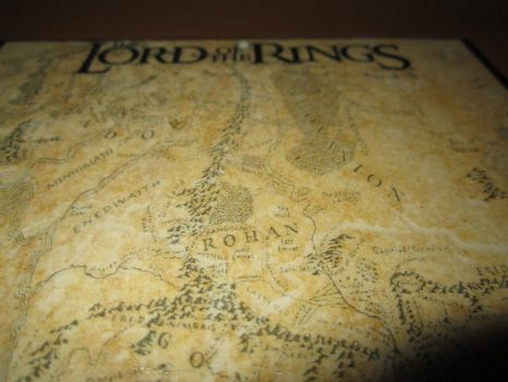 Lord Of The Rings middle earth su Mattonella by MovieProps