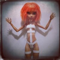 Leeloo Dallas by dolladay