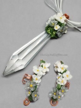 White Flowers Pendant and Ear Cuffs by Gailavira