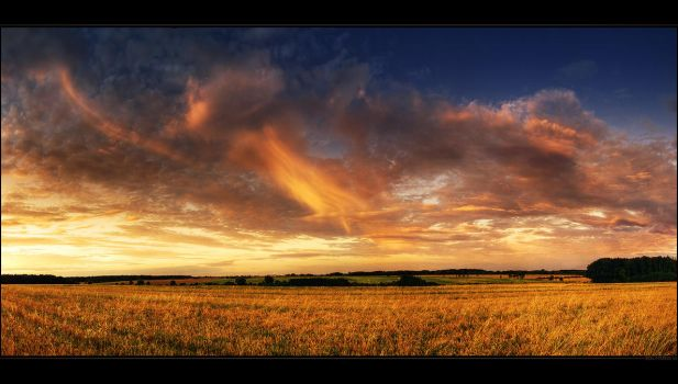 Hungarian skies pt.XCV. by realityDream