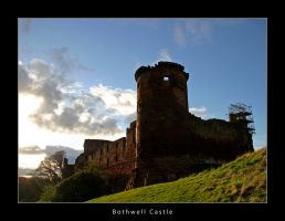 Bothwell Castle by honz12
