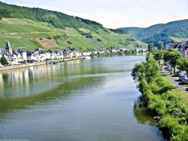 Mosel River, Zell by sataikasia