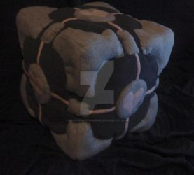 Plush Companion Cube by SpasticalSyndrome