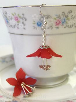 Cherry Red Lucite Flower Earrings by mizufusion
