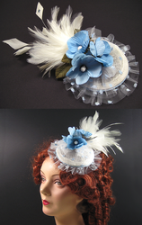 Fascinator in blue and white by Sundry-Art