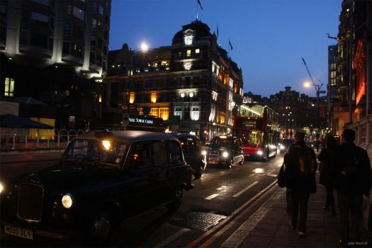 London by night by Julie1226