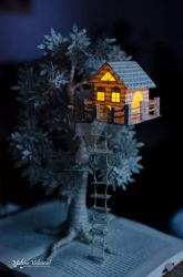 Treehouse - Book Sculpture by MalenaValcarcel