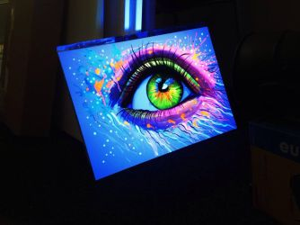Blacklight Eye by PixieCold