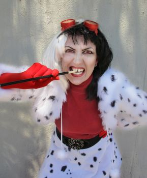 Cruella De Ville - close up by JoBeeOne