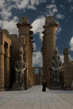 Egyptians temple by ruthsantcortis