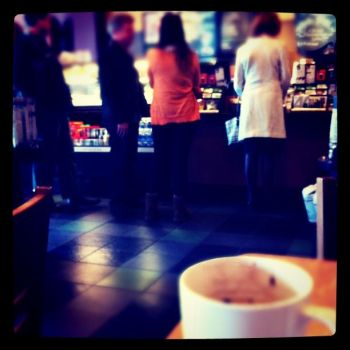 Line at SBUX by lao