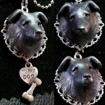 Dog-pendant by Marika-Spijkers