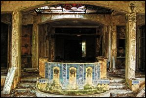 old fountain by RUCgost