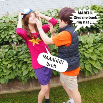 Mabel and Dipper - Give me back my hat by tiny-Hetalian-turtle