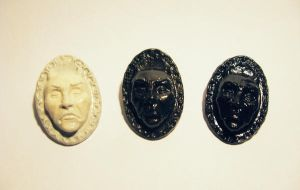 cameo brooches by tiivik