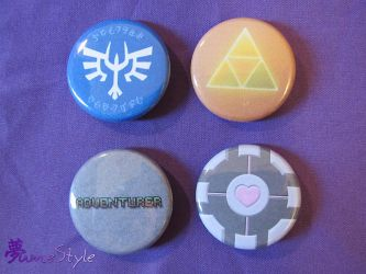 Buttons edition 1 by Sarinilli