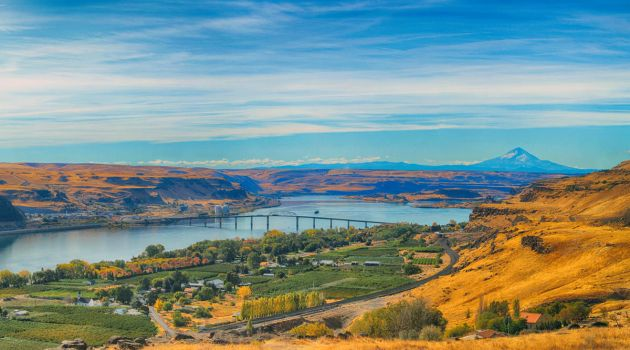 Columbia River Gorge by spazmataz