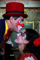 The kiss of the clown by gutyerrez
