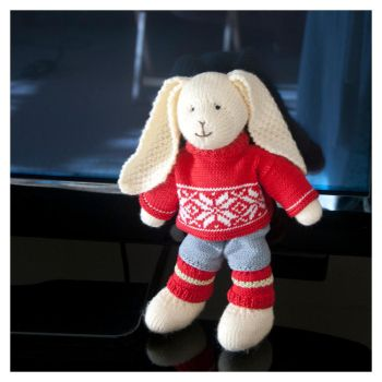Knitted Bunny by elero