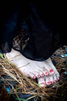 Samantha's feet got dirty and wet by nikongriffin