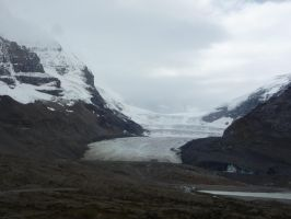 Athabasca Glacier 3 by raindroppe