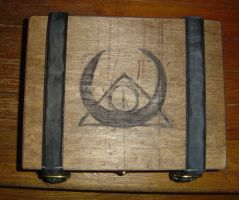 Lovecraftian Chest symbol view by nippyfrog