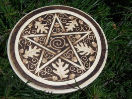 Oak and Acorn Pentacle by parizadhe