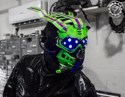 Equinox - alien scifi UV reactive LED mask by TwoHornsUnited