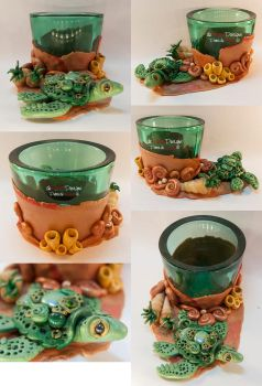 Green Tealight Glass with a Turtle by spaceship505