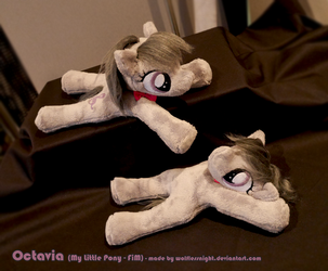 Octavia Beanie Plush by Wolflessnight
