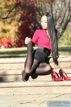 Pantyhose Stretching by PantyhoseClass