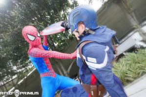 Spiderman vs Captain America by raveka